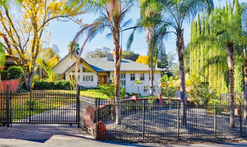 3721 Casa Loma Way, Carmichael, CA 95608