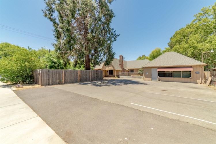 2905 Garfield Avenue, Carmichael, CA 95608