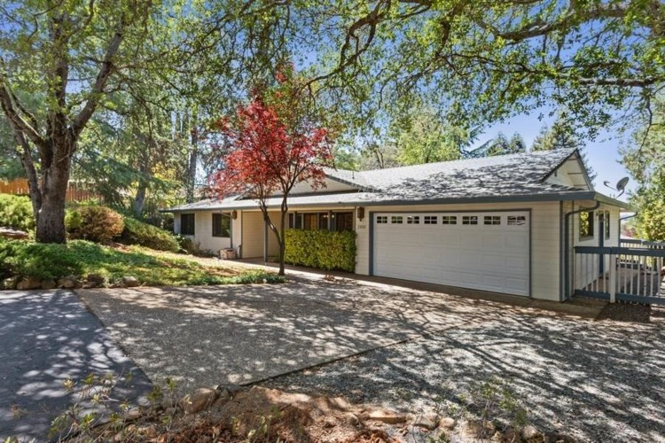 2880 Gladstone Lane, Cameron Park, CA 95682