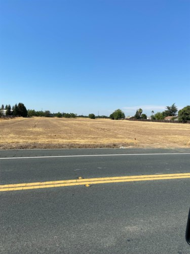 11387 E State Route 12 Highway, Lockeford, CA 95220