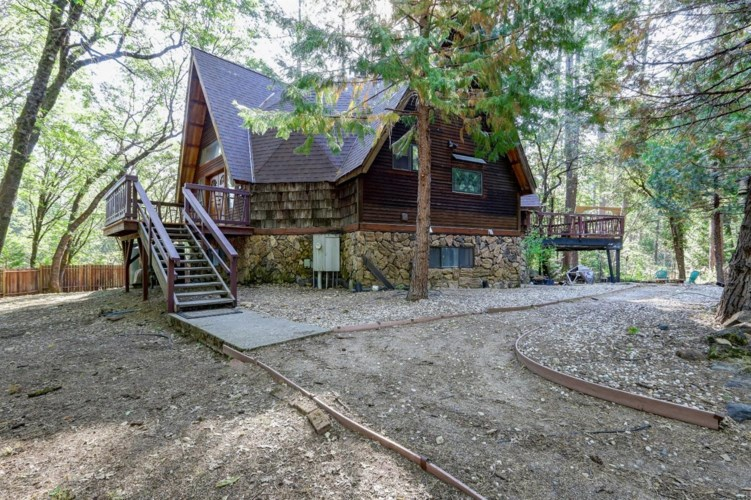 13377 Capitol Drive, Grass Valley, CA 95945