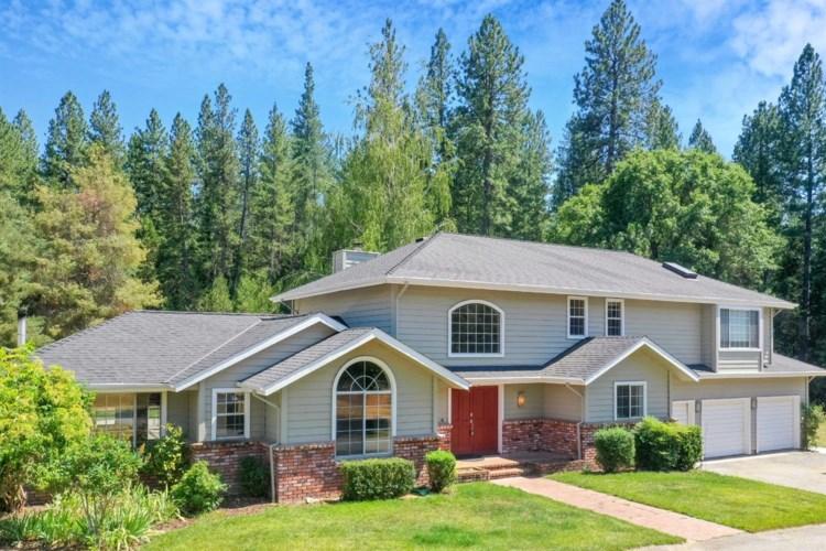 13801 Thoroughbred Loop, Grass Valley, CA 95949
