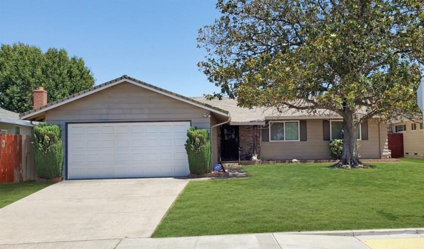 7225 Chandler Drive, Sacramento, CA 95828