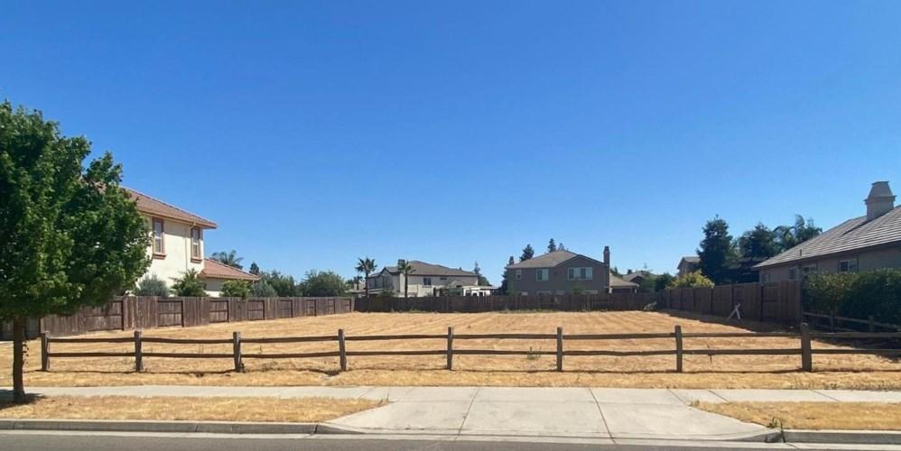 3960 Biltmore Drive, Turlock, CA 95382