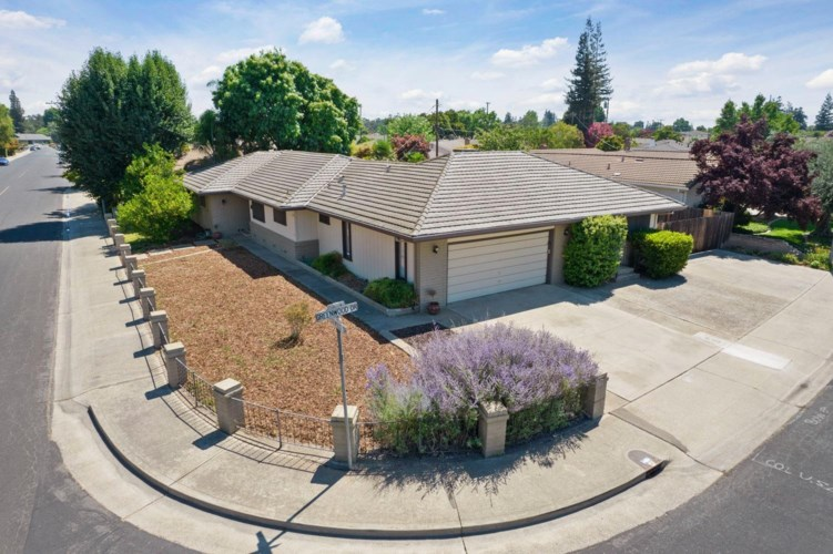 1945 Edgewood Drive, Lodi, CA 95242
