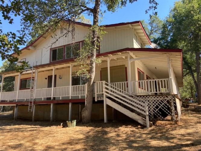 7239 Rim Rock Valley Rd., Mountain Ranch, CA 95246