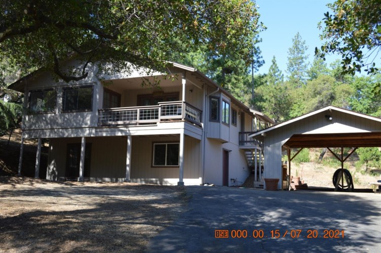 19266 Ferretti Road, Groveland, CA 95321