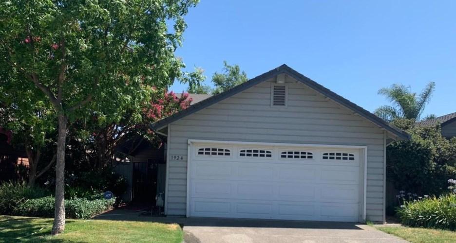 1924 Lakeshore Drive, Lodi, CA 95242