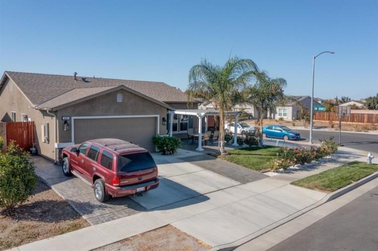 341 San Jeronimo Street, Los Banos, CA 93635