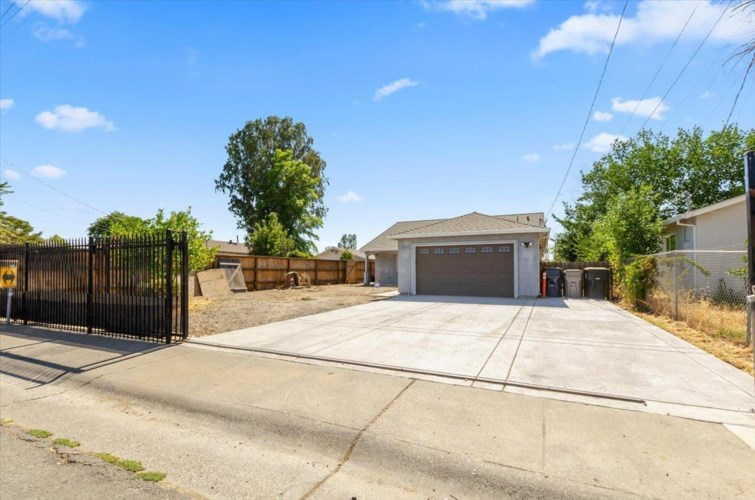 5862 Wilkinson Street, Sacramento, CA 95824