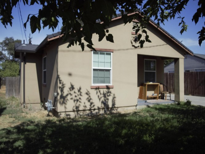 836 S Hinkley Avenue, Stockton, CA 95215