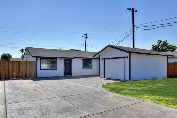 7517 Thorpe Way, Sacramento, CA 95822