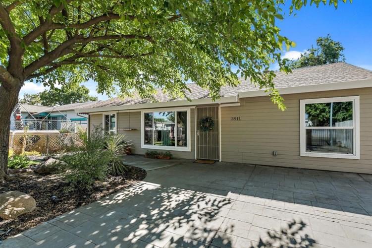 3911 Fig Street, Sacramento, CA 95838