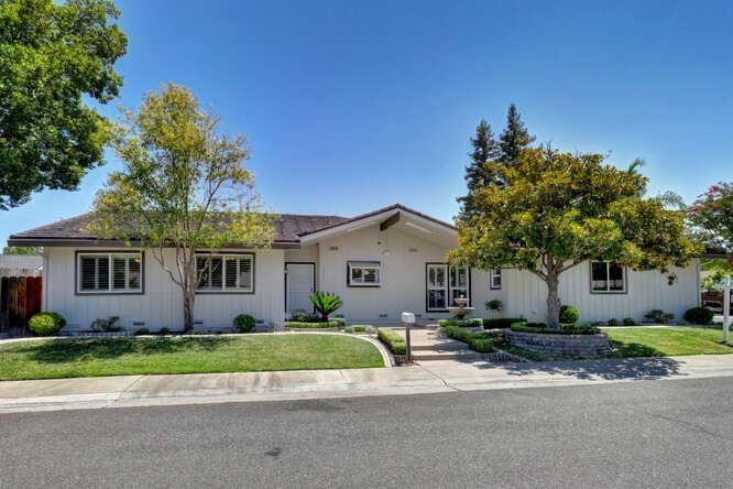 9511 School Street, Elk Grove, CA 95624