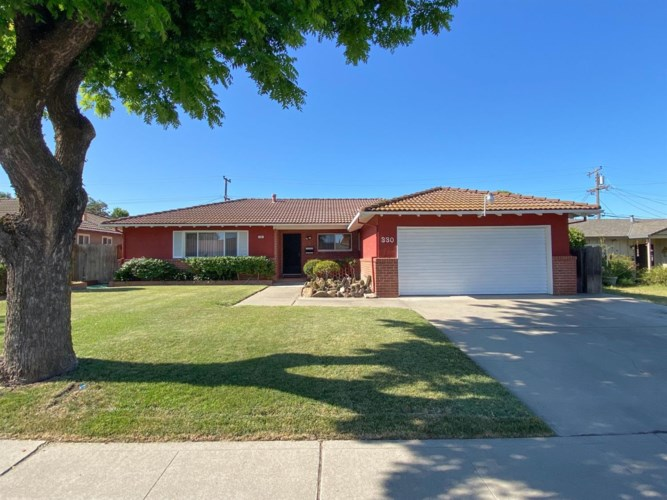 330 W Iris Avenue, Stockton, CA 95210