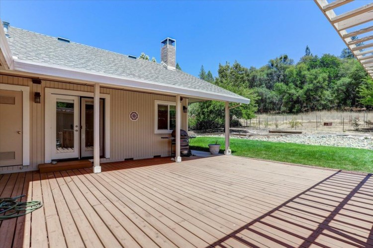 17757 Lake Forest Drive, Penn Valley, CA 95946