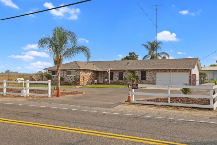 3710 Roselle Avenue, Modesto, CA 95357