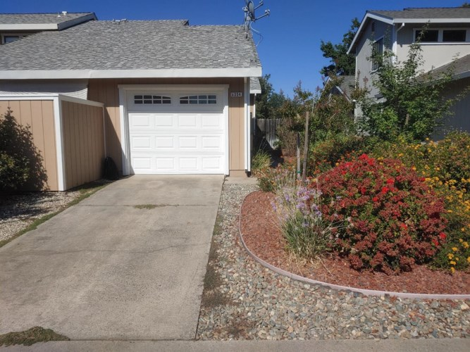 9354 Aizenberg Circle, Elk Grove, CA 95624