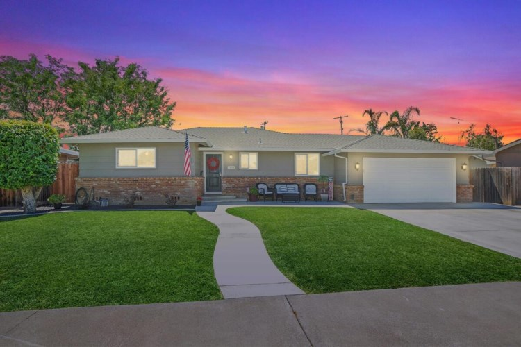 1404 Mckinley Avenue, Woodland, CA 95695