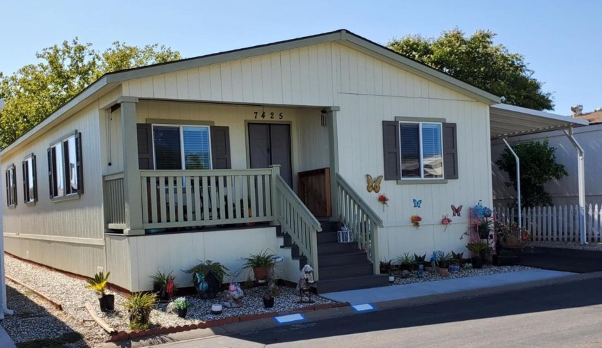 7425 White River Lane  #153, Sacramento, CA 95842