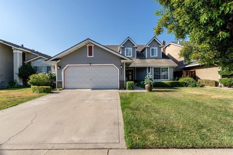 2828 Woodmont Circle, Modesto, CA 95355
