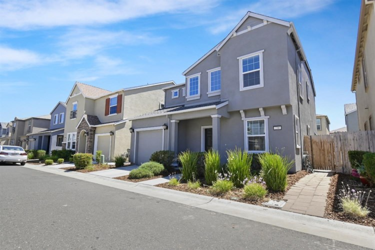 230 Maidenbrook Lane, Sacramento, CA 95823