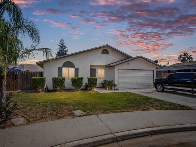 2871 W Sheldon Street, Caruthers, CA 93609