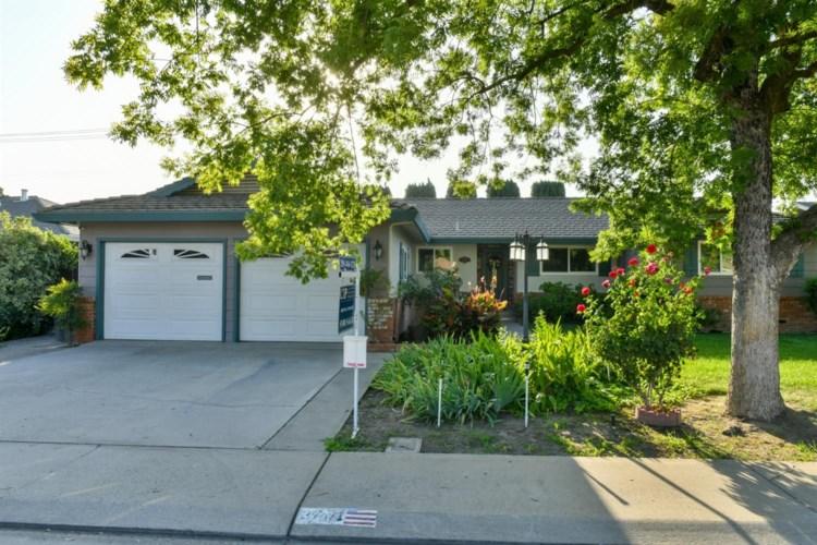 3701 Poinsettia Drive, Modesto, CA 95356