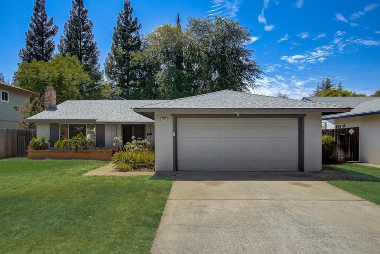 2704 Escobar Way, Sacramento, CA 95827
