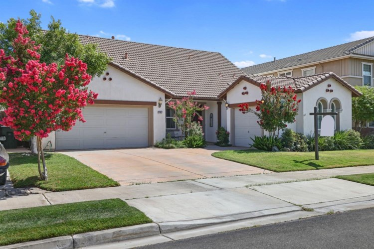 2037 Baluchi Way, Oakdale, CA 95361
