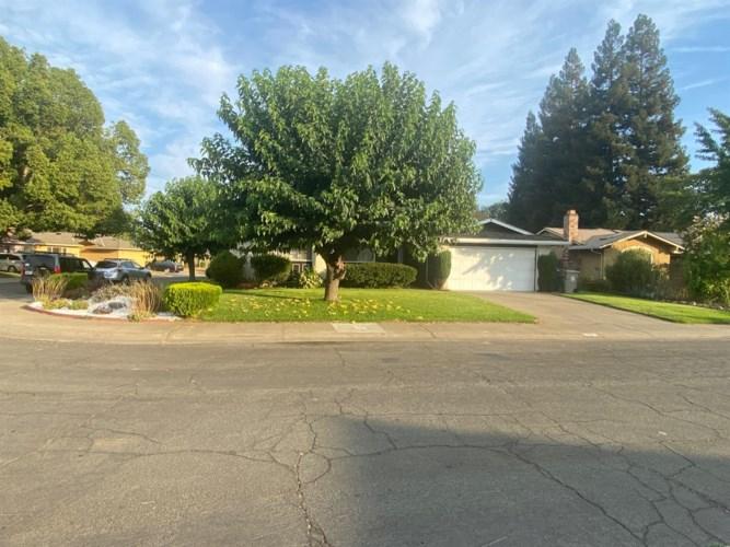 40 Grand Rio Circle, Sacramento, CA 95826
