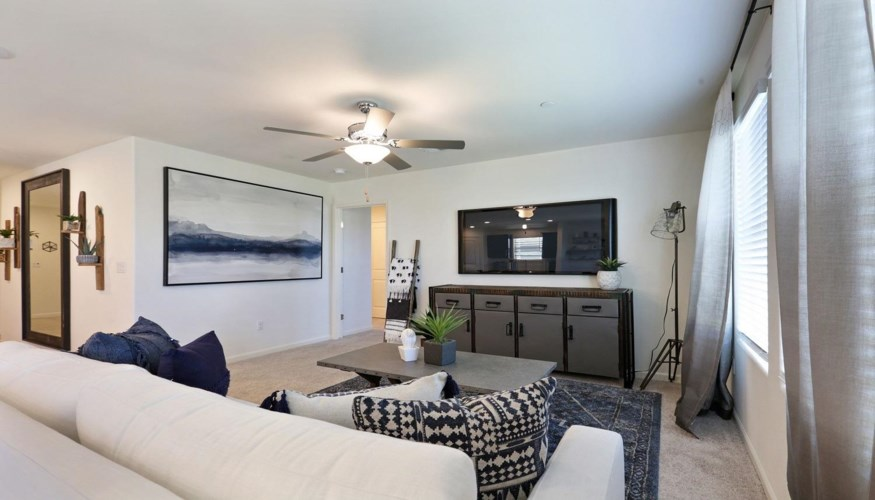 2012 Giannone Court  #216, Los Banos, CA 93635