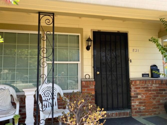 821 Lampasas Avenue, Sacramento, CA 95815