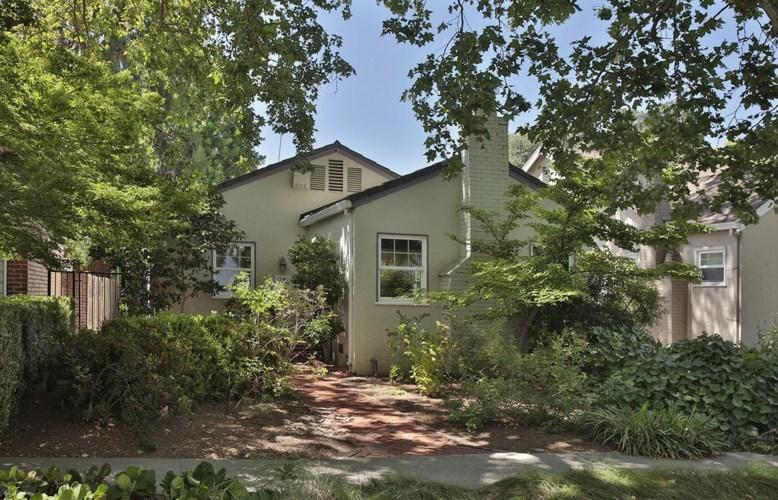 1940 Markham Way, Sacramento, CA 95818