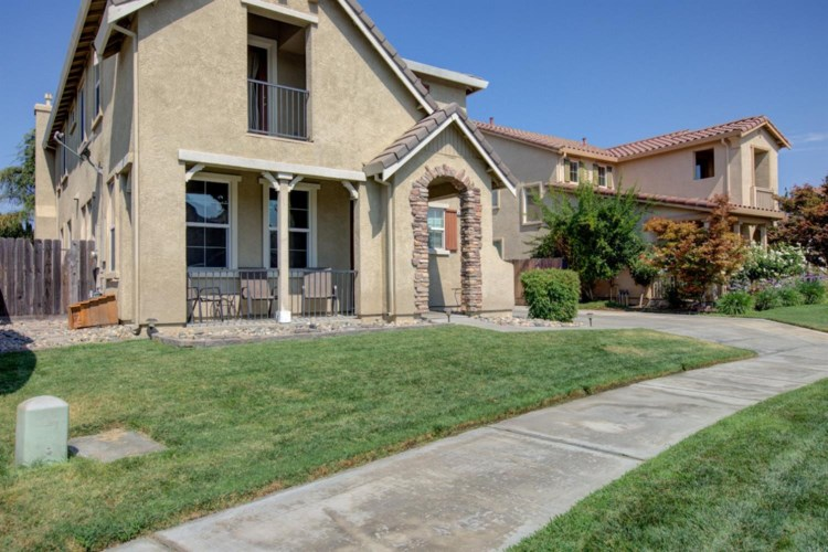 4017 E Enclave Court, Turlock, CA 95382
