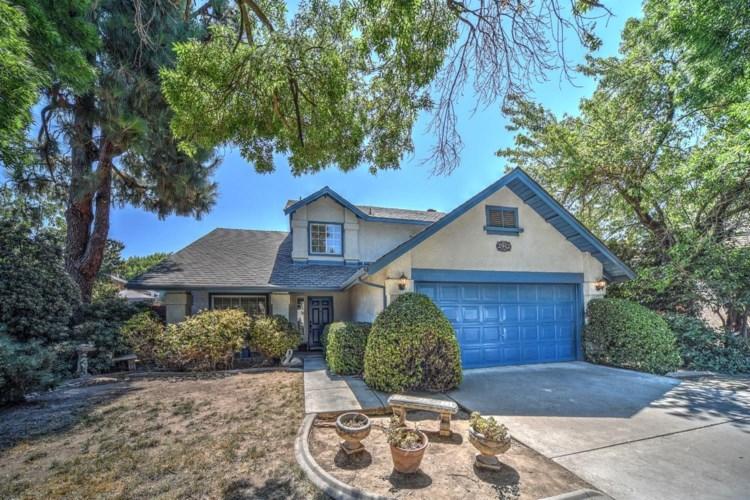 2912 Woodmont Circle, Modesto, CA 95355