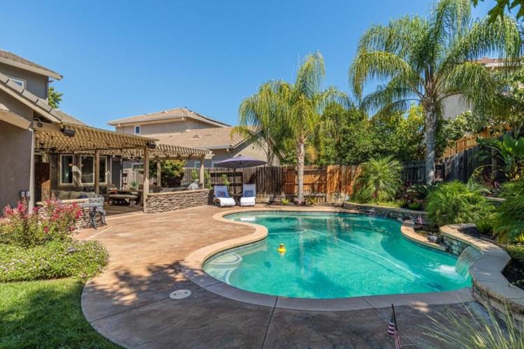 6219 Camellia Circle, Rocklin, CA 95765