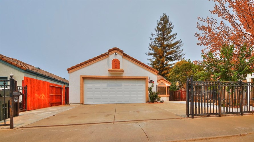 8767 Lemas Road, Sacramento, CA 95828