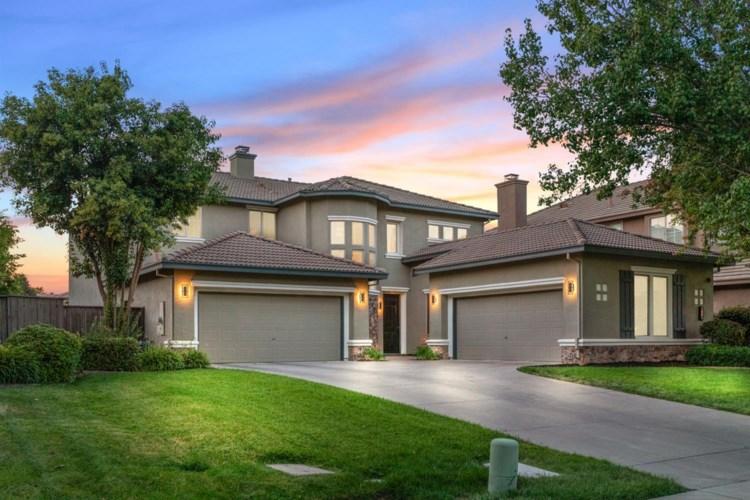 410 Woodhaven Place, West Sacramento, CA 95605