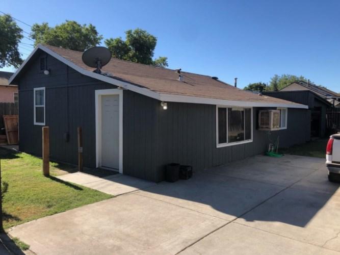 913 W 11th 1/2 Street, Merced, CA 95341