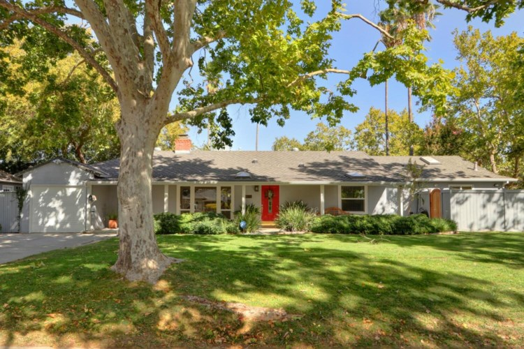 4425 Ravenwood Avenue, Sacramento, CA 95821