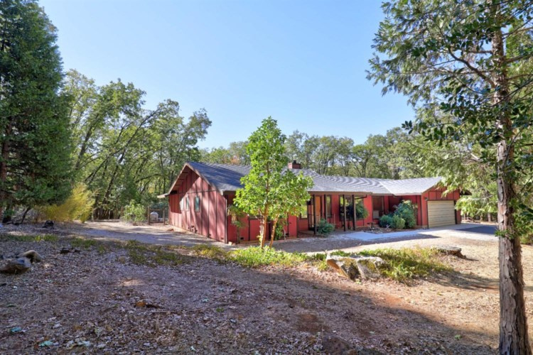 12939 Madrona Leaf Court, Grass Valley, CA 95945