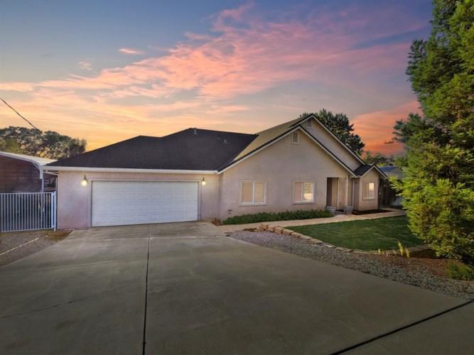 3736 Hartvickson Ln, Valley Springs, CA 95252