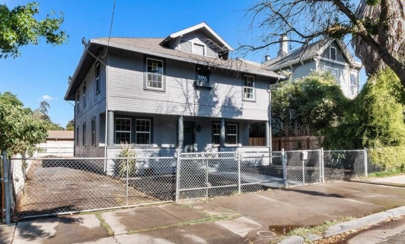 812 N Pilgrim Street, Stockton, CA 95205