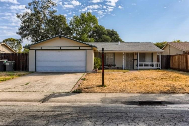8813 Sawtelle Way, Sacramento, CA 95826