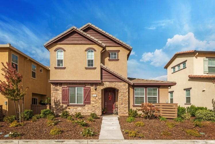 207 Rochdale Street, Roseville, CA 95661