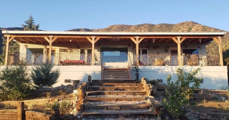 11046 Juniper Hills Rd, Juniper Hills, CA 93543