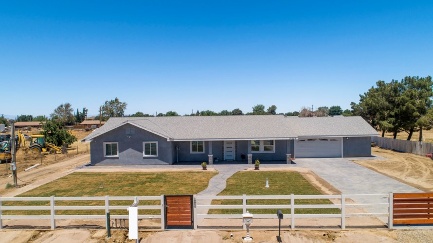 10055 East Avenue R10, Littlerock, CA 93543
