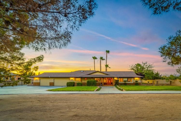 2051 Avenue O8, Palmdale, CA 93551