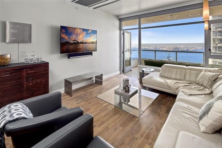 700 W E Street #3002, San Diego, CA 92101
